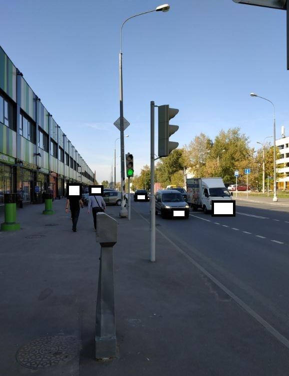 По просьбе жительницы светофоры на Электродной привели в порядок