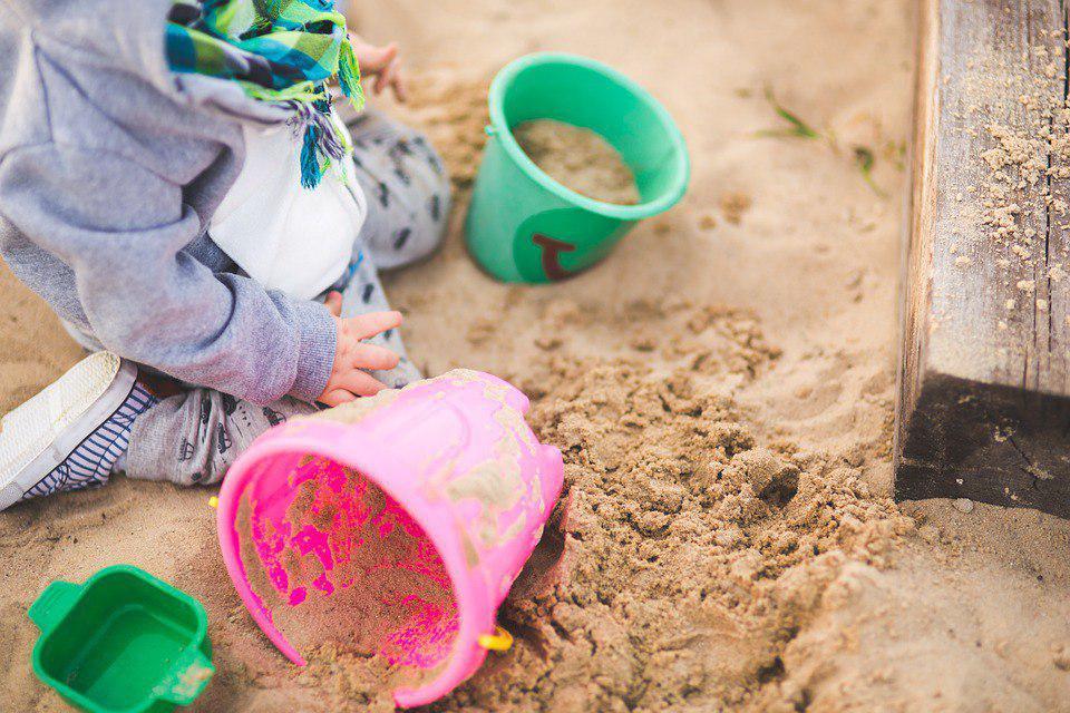 Детская площадка на Мартеновской снова стала комфортной для игр
