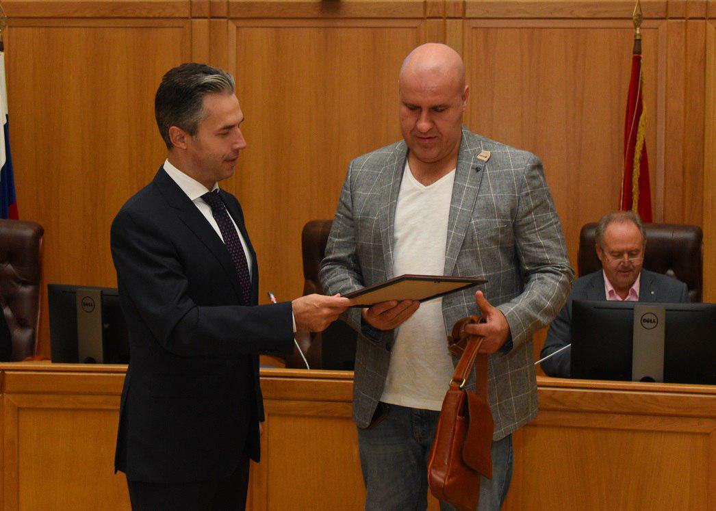 Лучшие работники предприятий Восточного округа получили награды от префекта