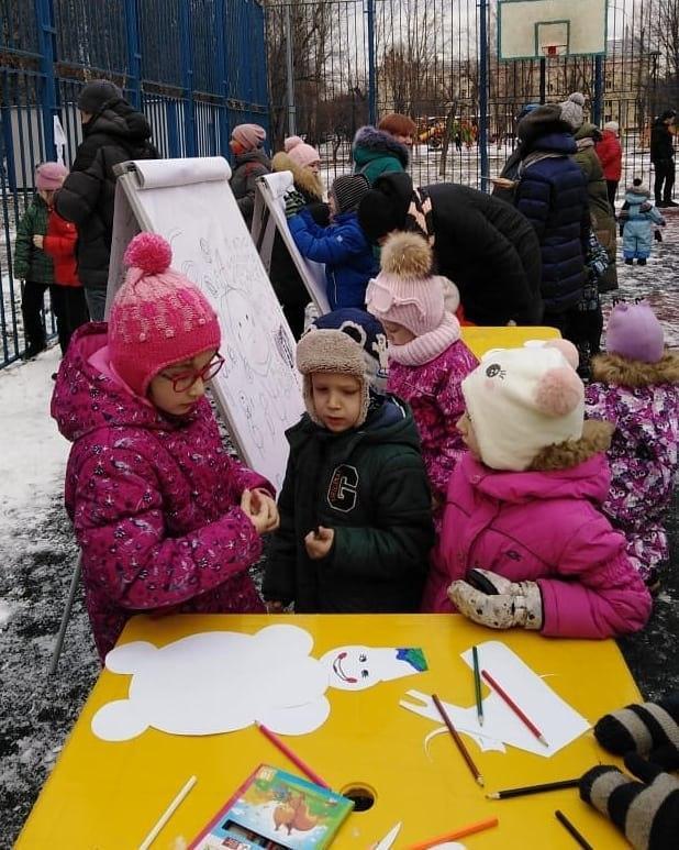 Конкурс снеговиков прошел в Перовской Слободе