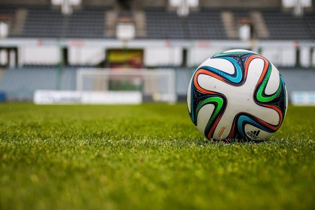 В Перове прошли игры III тура районного первенства по футболу